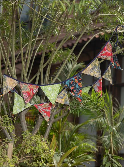 Bunting Hanging : Assorted