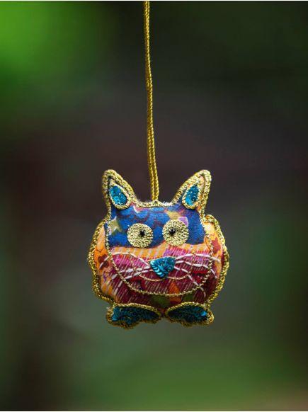 Cat Hanging : Assorted