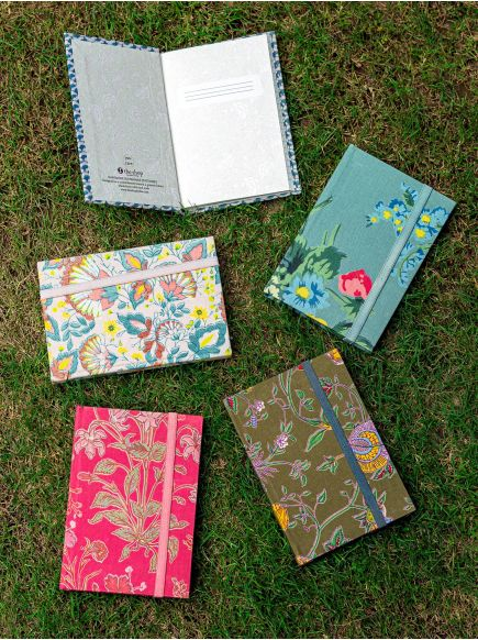 Bandy Note Book : Assorted