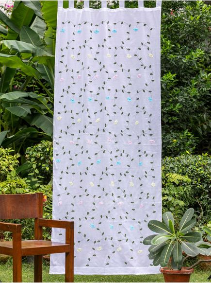 Applique Organdy Curtain : Olive on White