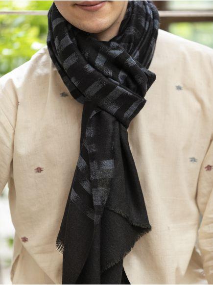 Ikat Soft Wool Stole : Black