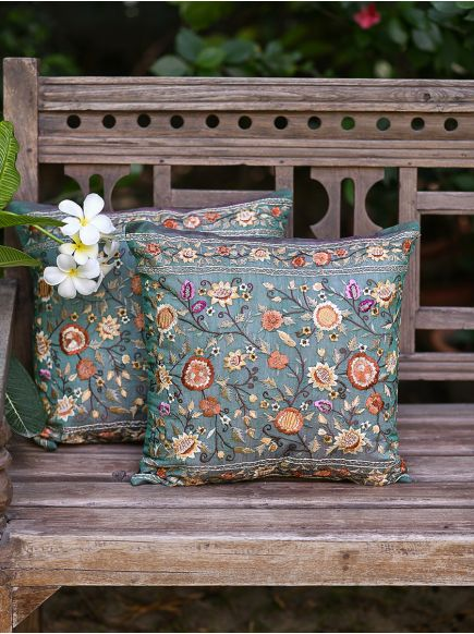 Embroidery Cushion Cover : Memphis Green
