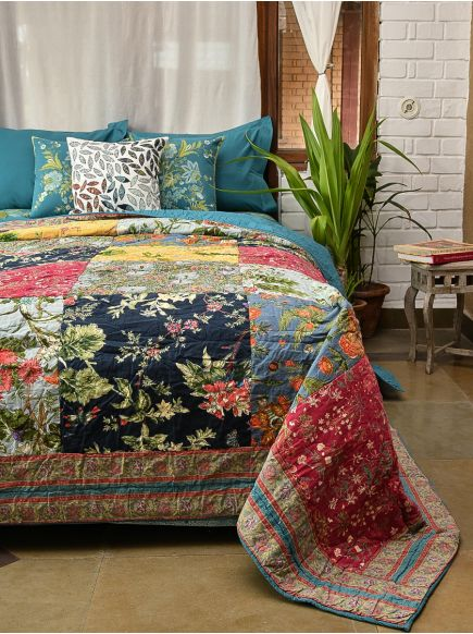 Quilt : Floral Patchwork